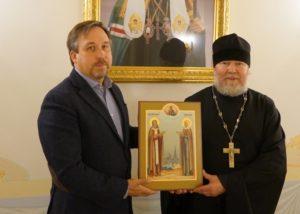 В дар Благовещенскому собору г. Воткинска передана икона